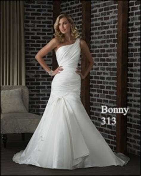 Best Style Wedding Dresses For Large Busts