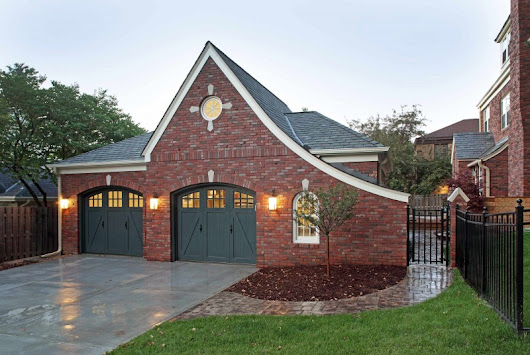 Ingenious Ideas of Dark Garage Doors – Decohoms