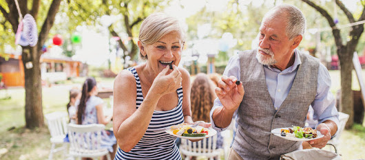 Senior Nutrition: 5 Changes You Need to Make to Your Diet as You Get Older