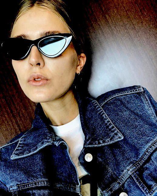 Le Fashion Blog 7 Pairs Of Cateye Sunglasses To Shop Now Via @ingridjakhelln Le Specs Adam Selman