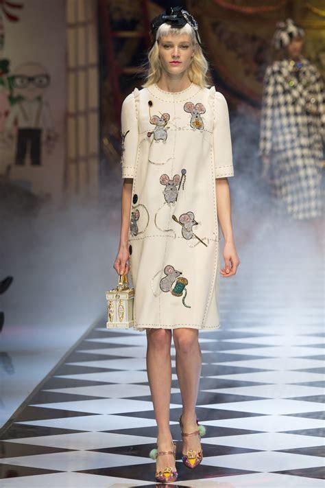 Dolce & Gabbana ?Dreamy Inspired? Fall Winter 2016 17