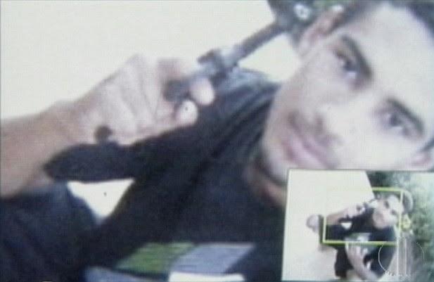 Polícia encontrou foto em celular de suspeito em Natal (Foto: Reprodução/Inter TV Cabugi)