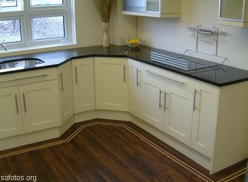 Cozinhas planejadas com pia de granito