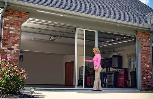 A Great Guide To Lifestyle Screens For Your Garage Door! -