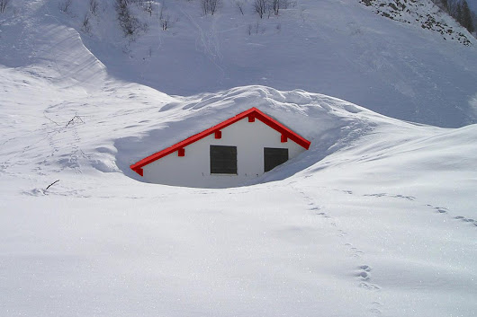 How Do You Remove Snow From Your Roof? | Snow Removal | HouseLogic
