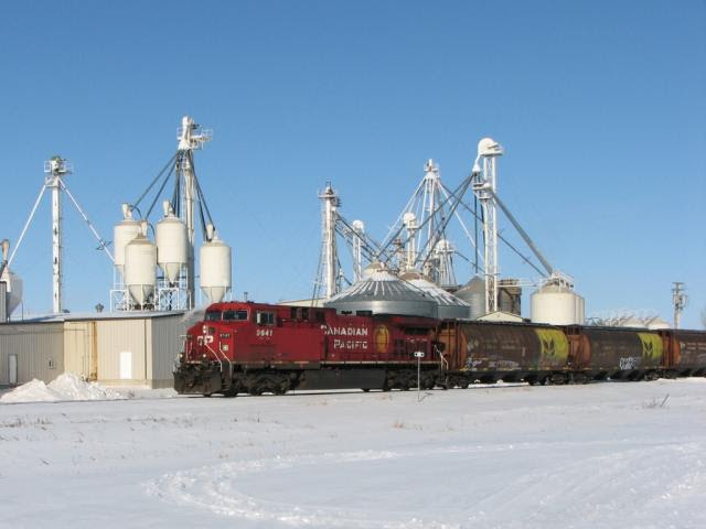 CP 9641 leaving Winnipeg