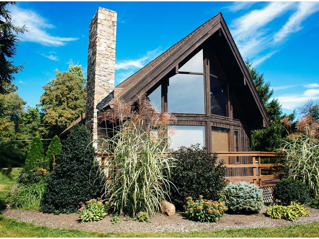 Perfect Country Cottage Getaway in  VRBO
