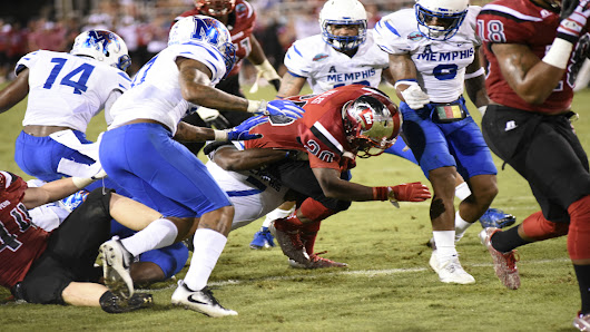 White, Wales lead Western Kentucky over Memphis in Boca Raton Bowl