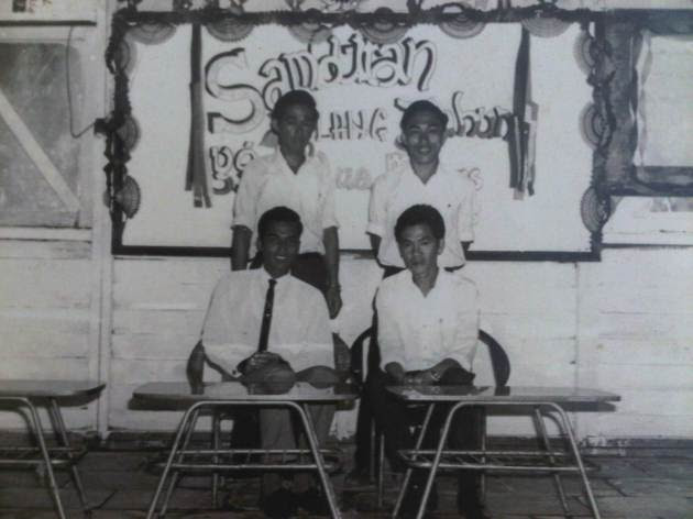 Bukit Ibam In History - Baskaran (seated-left)