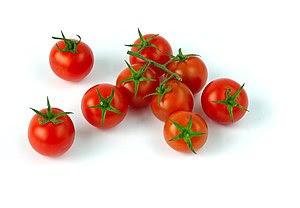 English: Tomato cherry. Français : Tomate cerises.