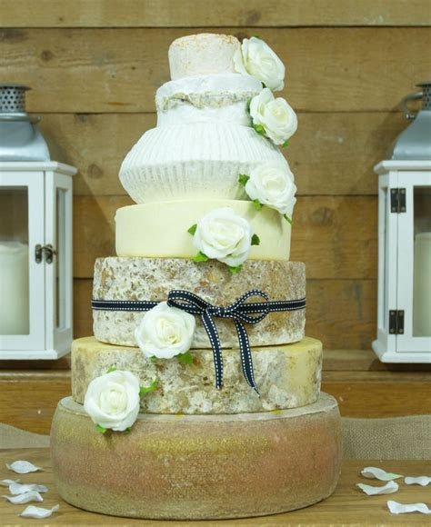 Wedding cake trends for 2018/19