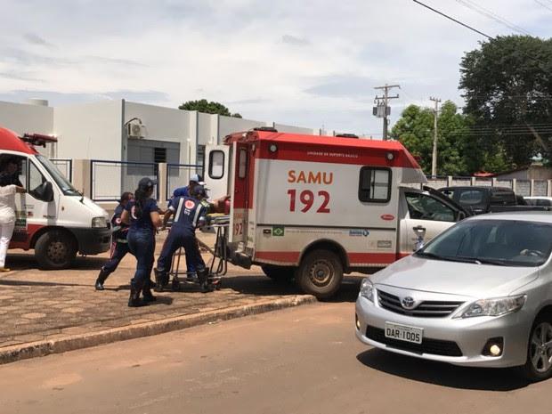 Feridos em acidente na BR-153 são resgatados pelo Samu (Foto: Paulo Barros/Divulgação)