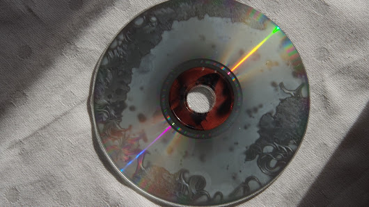 The Hidden Phenomenon That Could Ruin Your Old Discs - Motherboard