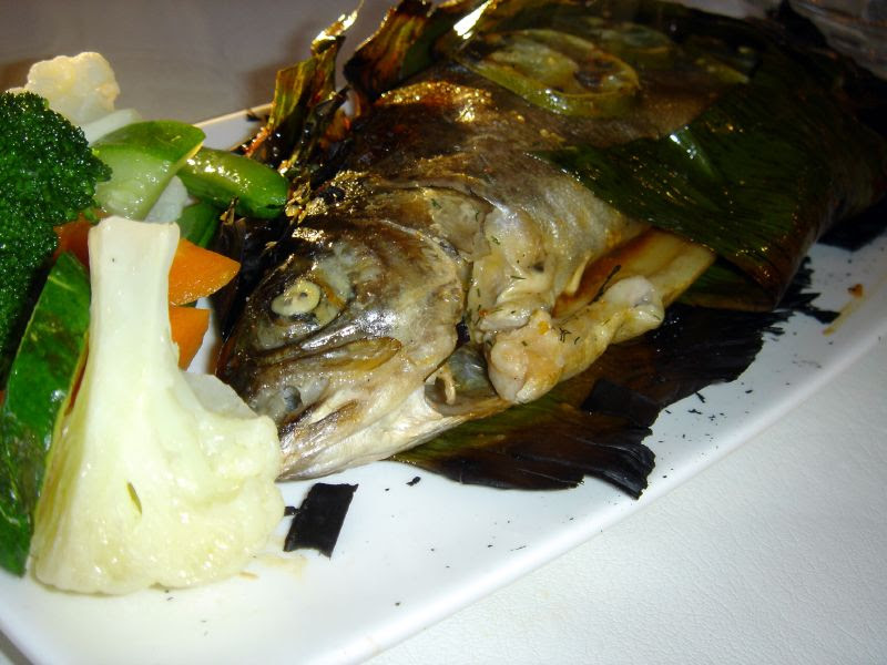 Steam Fish in Banana Leaf & vegetable
