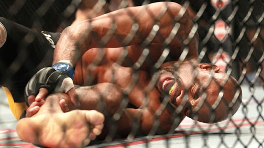 Anderson Silva injury results in UFC middleweight title for Chris Weidman