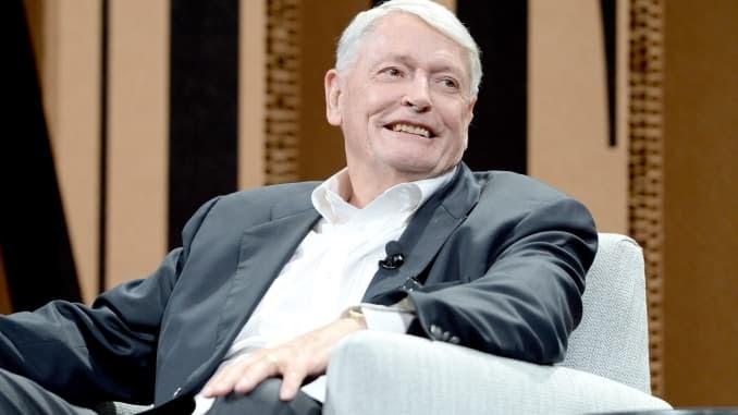 John Malone dice que las plataformas globales como Apple, Amazon y Roku dominarán la transmisión