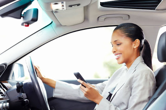 Study: Most Drivers Use Cellphones Behind the Wheel