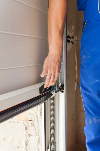 Factors to Consider When Choosing a Garage Door Installation | Kempenfelt Overhead Doors