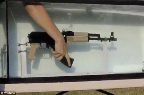 AK 47, huyền thoại, khẩu súng, nhả đạn, dưới nước, tốc độ