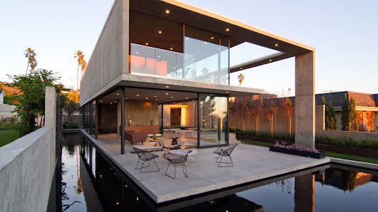 'Floating' concrete house wins top architecture award