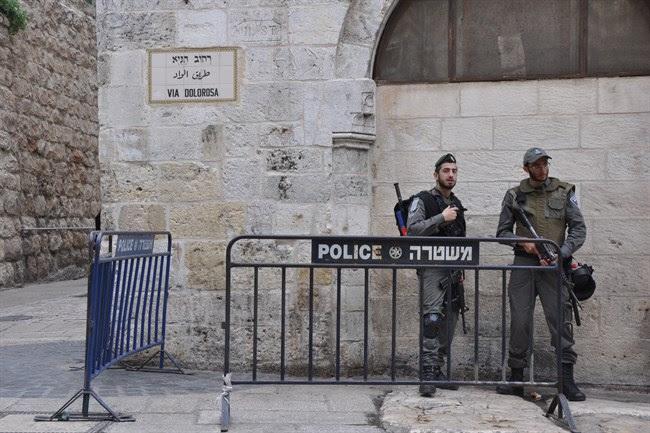 Poliziotti israeliani in Città Vecchia (MaanImages/Emily Mulder)