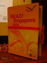 READ! Singapore 2006 Giant book (closed)