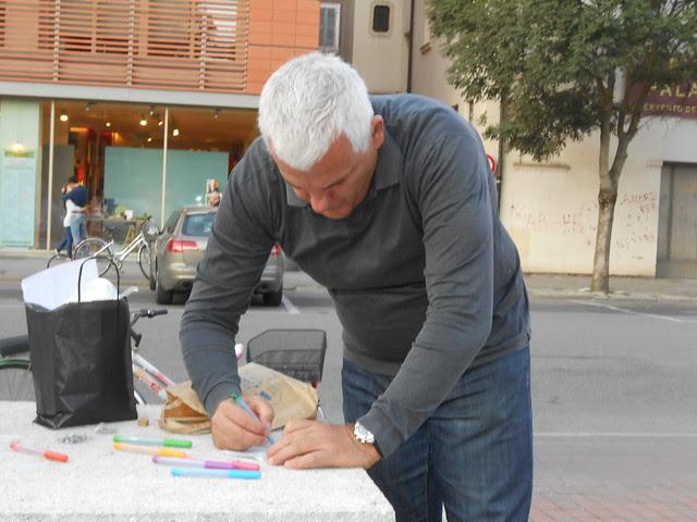 giornata mondiale della pace, girandole gratuite non autorizzate in piazza Matteotti, Rovigo