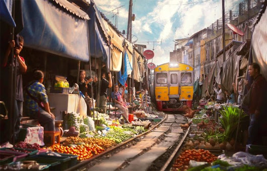 Railway Market: Urban Train Track Doubles as Shopping Alley in Thailand - 99% Invisible