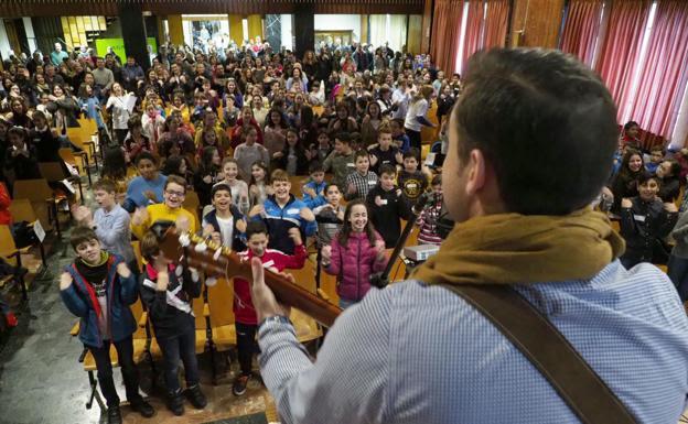 800 alumnos y 48 colegios participan en las olimpiadas de religión. /Ical