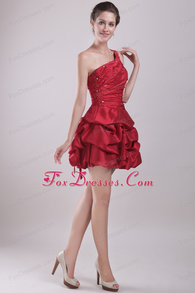 Red evening dresses for juniors