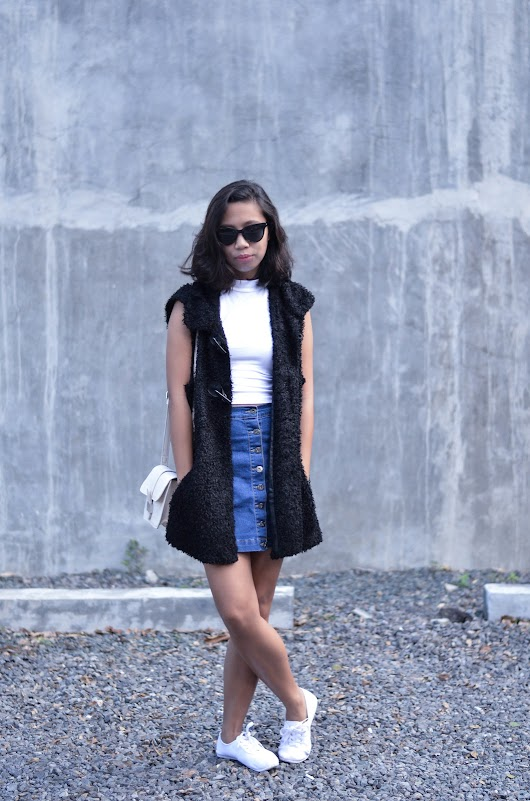 FAUX FUR VEST x 3 LOOKS: LOOK 2 | Sunnies and Style