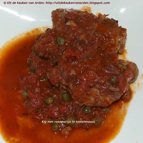 Kip met rozemarijn in tomatensaus