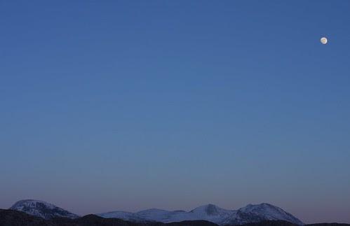 Moonrise over An Teallach by jimlaide