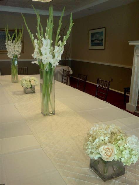 white gladiola centerpieces   www.lyndseyloringdesign.com