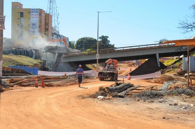 Demolição do Viaduto da Samdu é mais uma etapa das obras do Túnel de Taguatinga