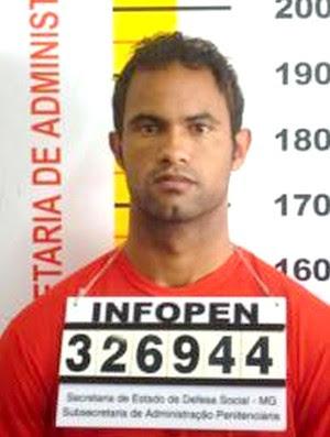 Bruno, ex-Flamengo foto na prisão (Foto: AE)