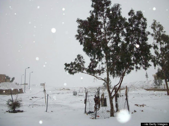 http://www.huffingtonpost.co.uk/2013/12/13/snow-egypt-middle-east_n_4438571.html?utm_hp_ref=uk