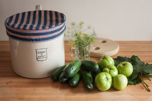Pickle Log: Fermented garden cucumbers and green tomatoes - Kirby & Kraut