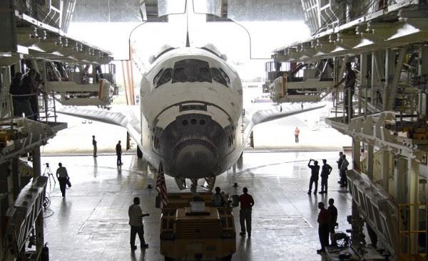 USAF asumió el control de dos hangares antes de la flota de transbordadores espaciales de la NASA.
