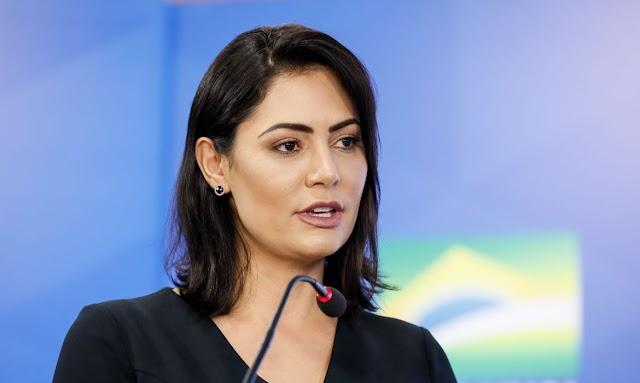 Governo diz que Michelle respeita sistema de saúde brasileiro após se vacinar contra Covid nos EUA