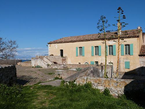 terrasse bazaine 1.jpg
