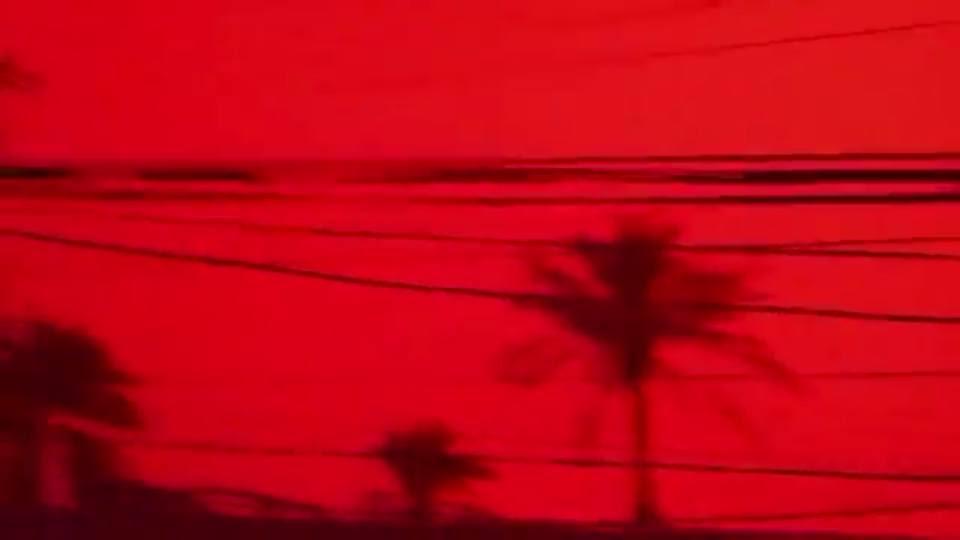 Ιράκ αίμα κόκκινο ουρανό Φεβρουάριος 2018, βασιλιά αίμα κόκκινο ουρανό αμμοθύελλα εικόνες και βίντεο, ιράκ αίμα κόκκινο ουρανό φεβρουάριος 2018 φωτογραφίες και βίντεο, βασρά αίμα κόκκινο ουρανό αμμοθύελλα Φεβρουάριος 18 2018, ο ουρανός πάνω από τη Βασόρα μετατρέπεται κόκκινο αίμα, όπως η καταιγίδα της σκόνης κατακλύζει το Ιράκ στις 18 Φεβρουαρίου 2018, basra αίμα κόκκινο ουρανό εικόνες ουρανό, basra αίμα κόκκινο ουρανό καταιγίδα βίντεο