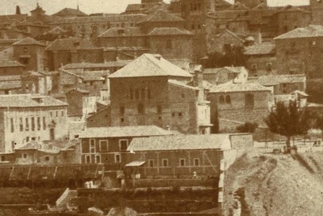 Sinagoga del Tránsito hacia 1905. Detalle de una vista de Toledo desde el cerro de la Ermita de la Cabeza © Album / adoc-photos / Photographe amateur