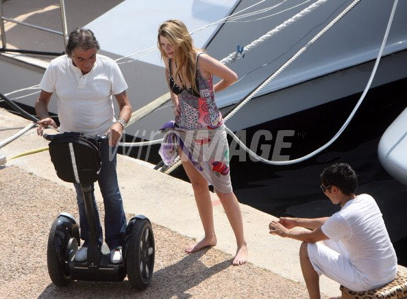 Roberto Cavalli Mischa Barton And Carlos Lopez During Mischa Barton Wireimage 130370212