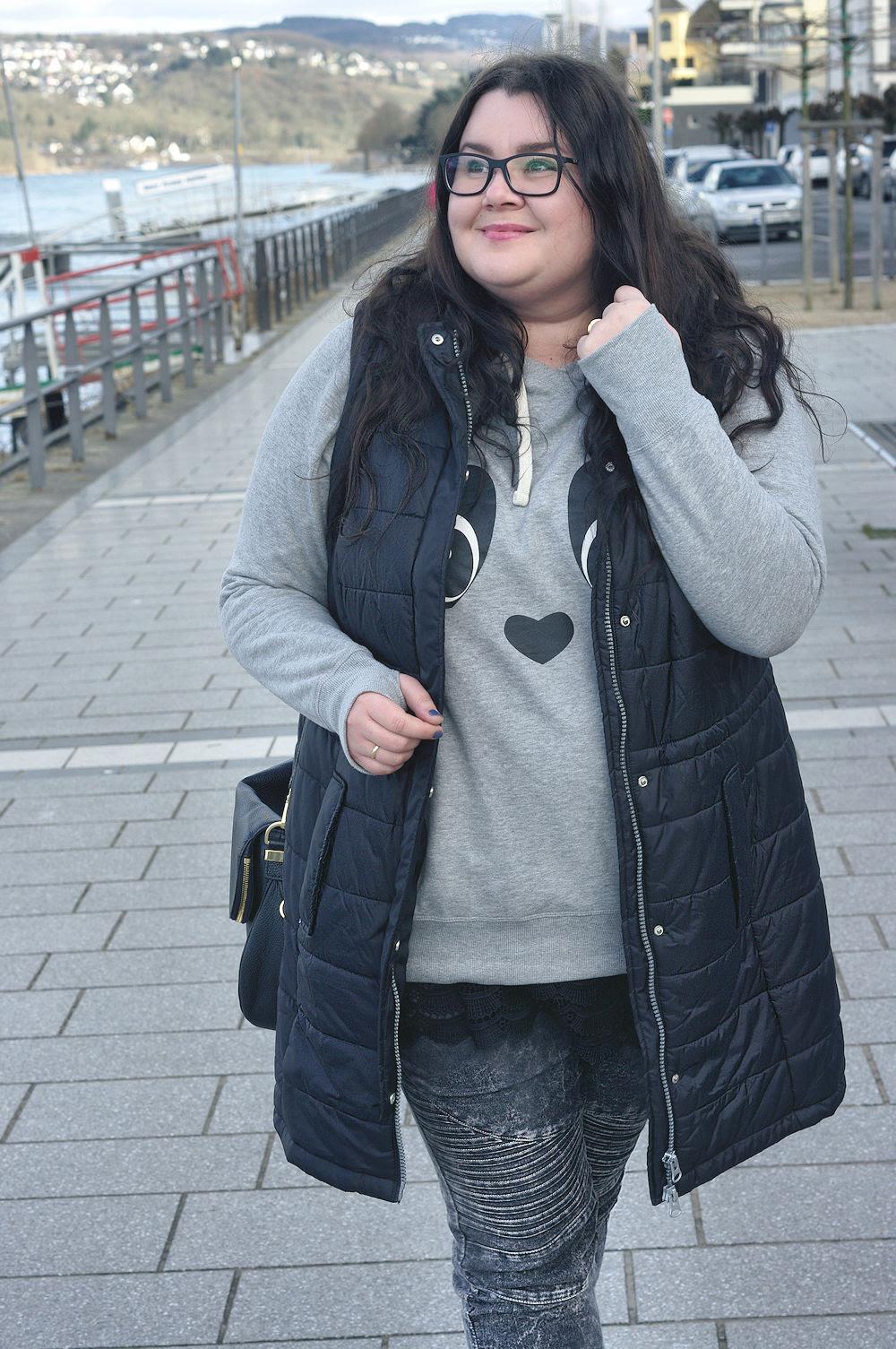 Große Größen Plus Size Fashion Blog long vest lange weste sheego takko biker jeans2