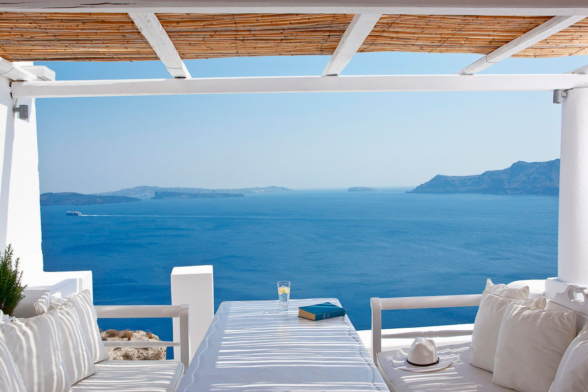 Impressive White Interior and Heavenly Sea Views from ...