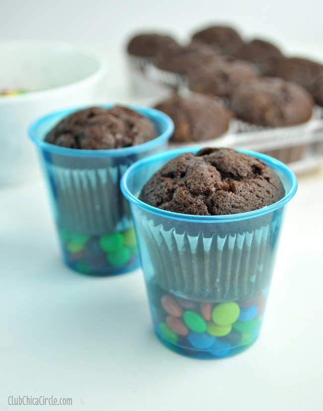 brownie treat cups with mini m&ms