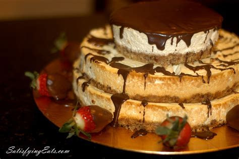 3 Layer Cheesecake with Chocolate or Hazelnut Drizzle