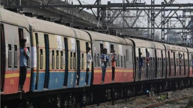 Mumbai's local trains resume services with restricted timings https://ift.tt/3ag4psQ