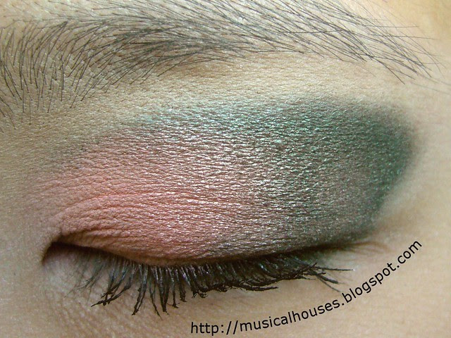 peach green eye look 2